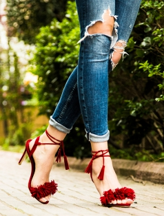 Clorinda Kırmızı Süet Püskül Topuklu Sandalet